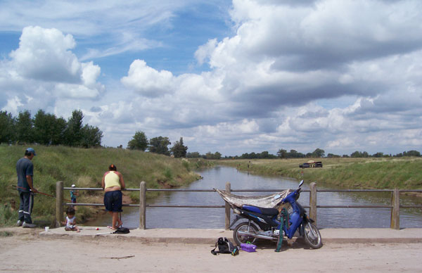 Paseo familiar. Río Reconquista. Foto: Diego Garay, 2010