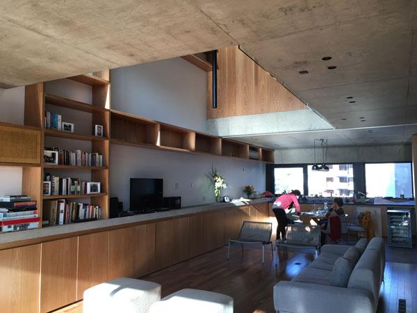El cliente como habitante real. Situación cotidiana en el Edificio Ravignani. Foto: Gentileza ATV Arquitectos