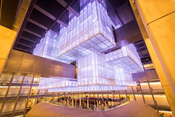 Estructura vidriada. El Chandelier funciona como fachada interior. Foto: Gentileza CCK.