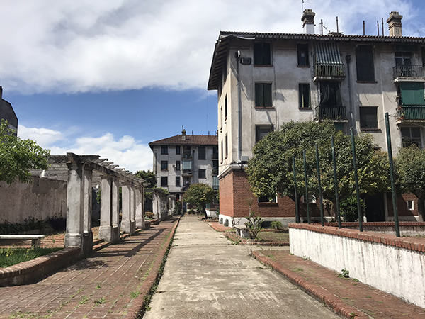 Casa Colectiva de Flores de Fermín Bereterbide. Foto: Carolina Quiroga.