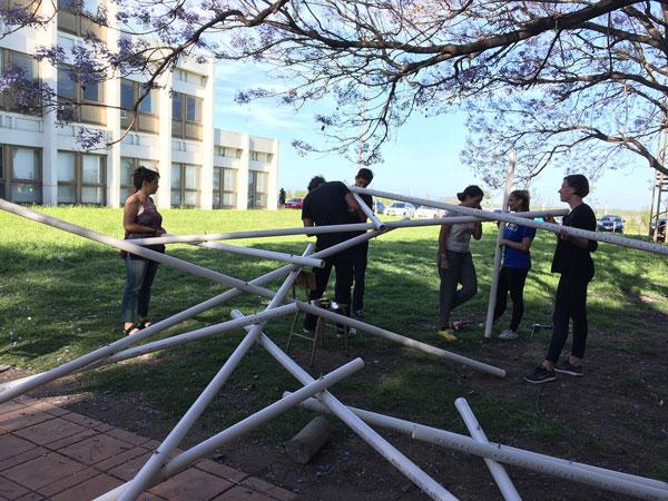 Construcción de estructuras recíprocas. Taller de Proyecto FAPyD-UNR